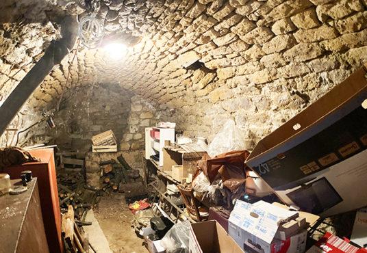 lourmarin maison en pierre a vendre centre village